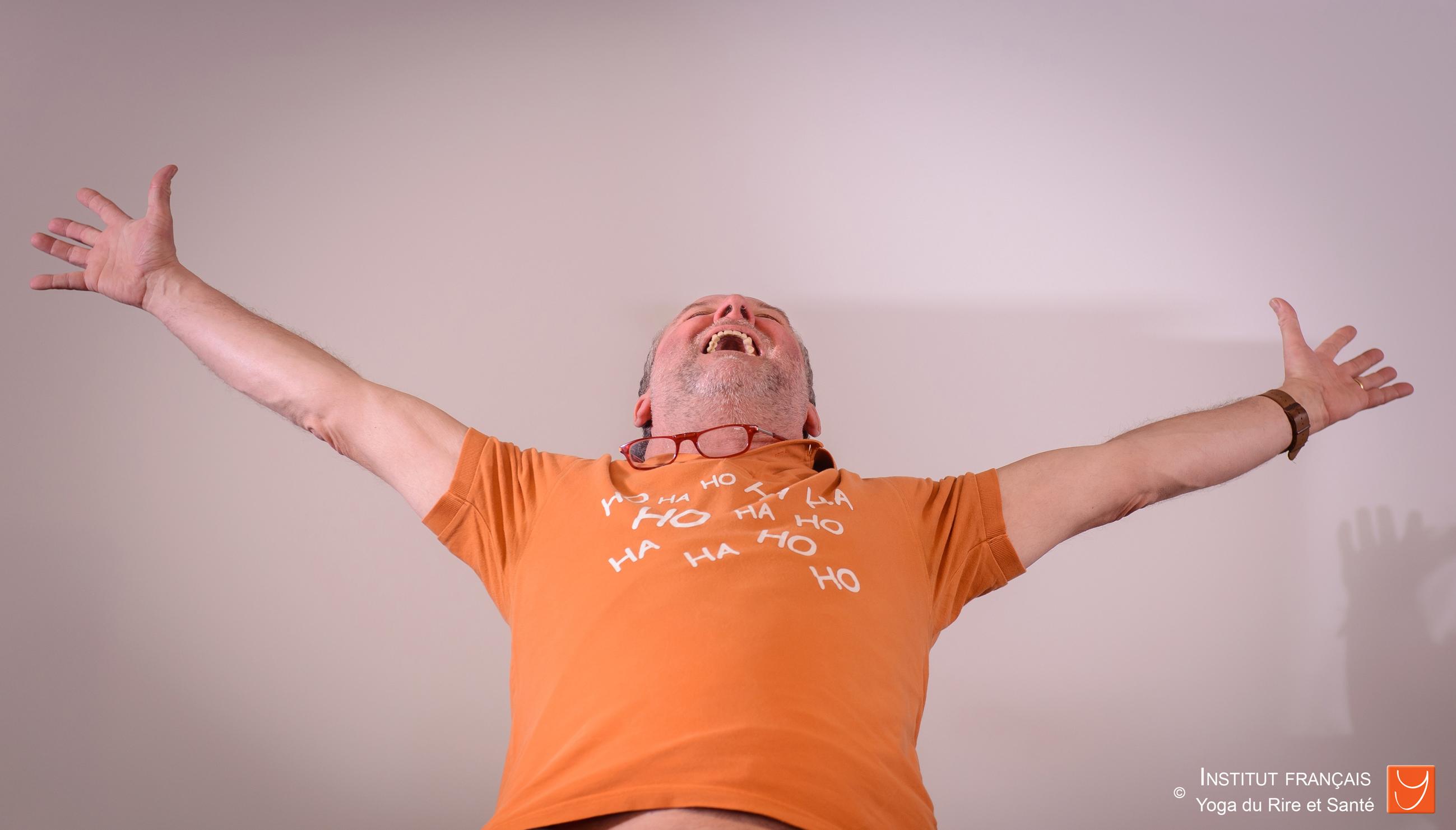 Animateur pro yoga du rire club de rire yoga du rire sant for Animateur en maison de retraite salaire
